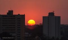 Por do Sol Urbano (Antonio Marin Jr) Tags: antoniomarinjr pordosol sunset entardecer fimdodia sol catanduva catanduvasp