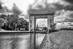 IMG_1401.jpg (brammetje2012) Tags: eefdesluizen nd nederland fujineopanacros gelderland monochrome holland eefde nl clouds longexposure twentekanaal lock blackandwhite