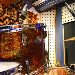 Mic 🎤 the Drum (Pennan_Brae) Tags: mic drum drummer recordingstudio musicstudio percussion music musicphotography microphone recording drums