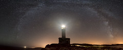 Faro Punta Nariga 6927 (Xoan C. Garrido) Tags: galicia punta nariga nocturna vía láctea starlights