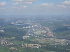 201708083 BA919 STR-LHR Stuttgart and Neckartal (taigatrommelchen) Tags: 20170831 germany stuttgart city river neckar icon aerial photo view airplane inflight qtr baw