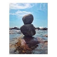 Impossible balance _ Equilibrio imposible • • #oceano #ocean #agua #piedras #stones #equilibrio #balance #alma #forca #waves #water #strength #gratidao #positividade #força #luz #saude #bemestar #paz #gemstones #beachlife (IMARCHI) Tags: impossible balance equilibrio imposible • oceano ocean agua piedras stones alma forca waves water strength gratidao positividade força luz saude bemestar paz gemstones beachlife imarchi imarchicom photographer fotografo madrid spain photography photo foto iphone phoneography iphoneography mobile eyeem instagram