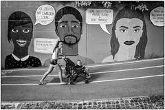 Regards ! (bertranddorel) Tags: slovénie nb rue street streetart