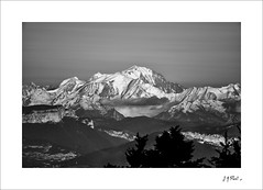 Mont-Blanc au crépuscule (Jack O'Donate) Tags: bw paysagerural valromey ain bugey ilce7rm2 pentaxsmcpda300mmf40edifsdm