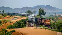 Cornering Karnataka Express | Pune WDM3D Twins (Pramath S.B) Tags: karnatakaexpress punewdm3dtwins wdm3d alco southwesternrailwaysindia swr indianrailways ir railroad passengertrain train makalidurga