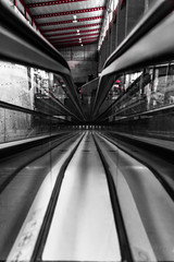 Perspective plongeante 2 (Rudy Pilarski) Tags: séville voyage travel tamron nikon thepassionphotography thebestoffnikon monochrome abstract abstrait perspective nb bw line ligne 18270 d7100