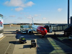 Boeing 737-8 LN-NGA NAX310 OSL-KKN (ZK-NZE) Tags: boeing 737 737800 norwegian air shuttle lnnga airplane aeroplane plane jet nax310 bsi sky interior winglet norway arctic oslo osl engm