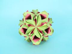 Polina (masha_losk) Tags: kusudama кусудама origamiwork origamiart foliage origami paper paperfolding modularorigami unitorigami модульноеоригами оригами бумага folded symmetry design handmade art
