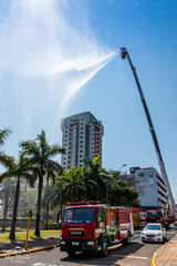 IMG_MF1034 (Max Hendel) Tags: bymaxhendel maxhendelphotography max hendel fotografiastraining fire department bauru sp braziltreinamento do corpo de bombeiros brasilrain square peace brazilfire brazilchuva na praça da paz em brasil