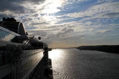 "AIDAprima Sailaway Hamburg_MG_2200 (horn.mats) Tags: kreuzfahrt ship cruise aidaprima nordsee north sea schiff vessel meer sonnenuntergang sunset abend evening wolken clouds himmel sky sonne sun canon eos 7 d ""canon 7d"" ef 24105mm 14 l is ii usm ""canon usm"""