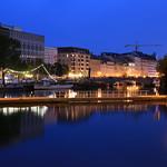 In Berlin an der Mühlendammschleuse zur Blauen Stunde thumbnail