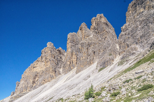 Walking to the Forcella Lavaredo