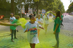 The color run - Green lane (Red Cathedral [FB theRealRedCathedral ]) Tags: sonyalpha a77markii a77 mkii eventcoverage alpha sony colorrun sonyslta77ii slt evf translucentmirrortechnology spartacusrun mudrun ocr strongmanrun obstaclerun redcathedral streetart contemporaryart streetphotography belgium alittlebitofcommonsenseisagoodthing thecolorrun powder brussels bruxelles brussel colourrun holi havenlaan tourtaxis girlsrunning green groen thehappiest5kontheplanet