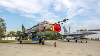 Su-22M4 & F-16A block15