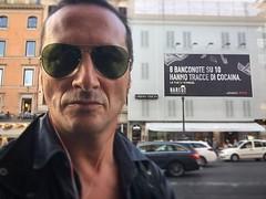 Pubblicità (ioriogiovanni10) Tags: divertente selfie curioso badboy boy dasapere cartello pubblicità occhiali città rome turista iphone face viso été rayban spot passeggiata roma