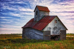Twisted (myoldpostcards) Tags: landscape rural old desolate warped weathered barn barns countyroad1550n logancounty centralillinois illinois il unitedstates myoldpostcards randall randy vonliski season summer canon eos 5dmarkiv twisted atmosphere