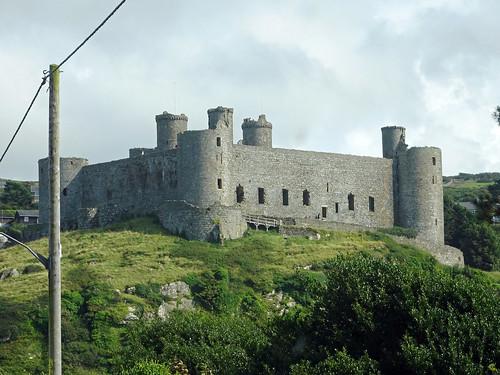 Harlech Castle from Ffordd Glan Môr -- photo 1