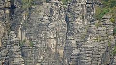 Klettern im  Rathener Gebiet (Harald Thiele) Tags: rathen klettern climbing felsen elbsandsteingebirge saxon sächsischeschweiz rock
