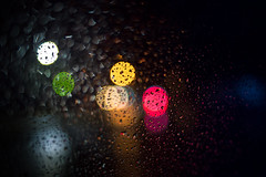 Car window bokeh (MartinFechtner-Photography) Tags: bokeh car window sony a7s canon fd grafschaftbentheim rain raindrops regen regentropfen wasser water blurry blur 35mm f20