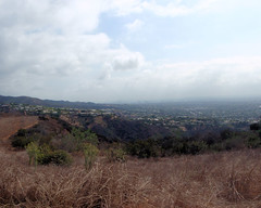 004 Homes Across Santa Ynez Canyon (saschmitz_earthlink_net) Tags: 2017 california topangacanyon statepark losangeles pacificpalisades pacifichighlands losangelescounty santamonicamountains hike hiking road easttopangafireroad santaynezcanyon