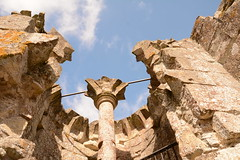 DSC_1704 (amoamas07) Tags: oldwardourcastle englishheritage castle ruin