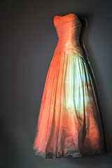 Kleid in Farbe