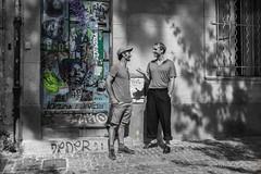 Conversation (Michèle Aime Escudero) Tags: monochrome street conversation