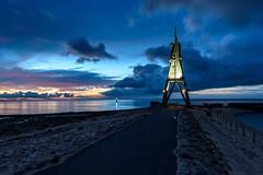 Kugelbake (webpinsel) Tags: kugelbake cuxhaven nordsee meer ebbe weg wolken sonnenaufgang morgendämmerung seezeichen wahrzeichen