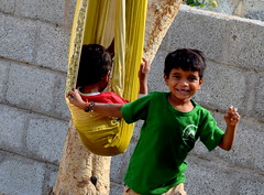 #39/52  Handmade Swing !    Children teach us that you need no great reason to be happy (Sriini) Tags: smile laugh happiness boys boy swing tree 52in2017challenge handmade toothless child childhood reason people happy toothlessgrin india indian nikon nikkor