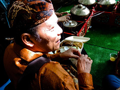 Gamelan break (A. Yousuf Kurniawan) Tags: gamelan ethnomusic rest food festival performance music culture indonesia streetphotography streetlife urbanlife people musician colourstreetphotography