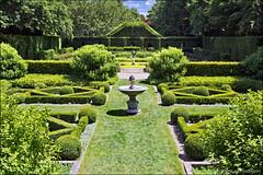 le châtellier (heavenuphere) Tags: lechâtellier illeetvilaine brittany bretagne france europe parcbotaniquedehautebretagne parc botanique botanical formal garden green symmetry box hedges buxus 24105mm