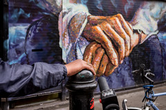 Hands (mickyates) Tags: 2017 35mm f20 leica lightroom london m10 photography shoreditch street summicron symposium mickyates weekend ©2017 ©mickyates