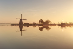 20140517-Canon EOS 6D-7333 (Bartek Rozanski) Tags: bleiswijk zuidholland netherlands river rotte windmill grondzeiler symmetry sunrise mist still water dutch