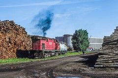 Switching the Paper Mill (douglilly) Tags: greenbaywestern c424 biron