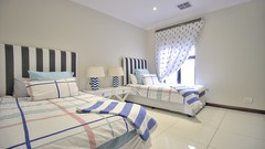 paarl-real-estate-for-sale (therealestateavenue) Tags: paarl realty realestate southafrica property house home bedroom bed curtains decor design pinstripes bedding room