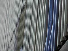 Be different (Ed Sax) Tags: plexiglas plexi glas wellig welle kunststoff fassade gebäude medien architektur kunstphotographie edsax gebrochen design muster