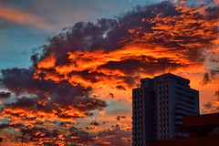 Burning clouds over the city (gerard eder) Tags: world travel reise viajes europa europe españa spain spanien valencia skyline skycraper sky city ciudades cityview cielo stadtlandschaft städte natur nature naturaleza night nacht noche nubes nikon wolken clouds sunset sonnenuntergang puestadesol outdoor
