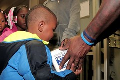 """thomas-davis-defending-dreams-foundation-thanksgiving-at-lolas-0103 (1) • <a style=""""font-size:0.8em;"""" href=""""http://www.flickr.com/photos/158886553@N02/37042944891/"""" target=""""_blank"""">View on Flickr</a>"""
