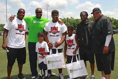 "thomas-davis-defending-dreams-foundation-0317 • <a style=""font-size:0.8em;"" href=""http://www.flickr.com/photos/158886553@N02/37043209531/"" target=""_blank"">View on Flickr</a>"