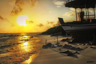 Maldives sunset - ship makers