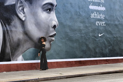 Kent Avenue (erichudson78) Tags: usa nyc brooklyn williamsburg kentavenue canonef24105mmf4lisusm canoneos6d streetart streetphotography street rue heels hautstalons newyorkcity scènederue femme woman