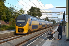 16.09.2017; Jong geleerd spotten (chriswesterduin) Tags: virm deurne station gare bahnhof trein train