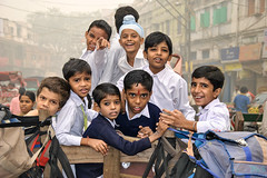Kids, Paharganj (Valdas Photo Trip) Tags: india delhi newdelhi street streetportrait streetphotography