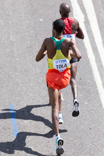 Tola and Kirui during the Men's Marathon at the World Championships in London 2017