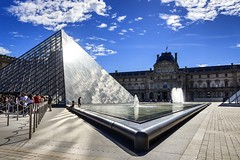Pyramide du Louvre #explore (Fabien Georget (fg photographe)) Tags: paris muséedulouvre pyramide louvre landscape paysage sky cap ayezloeil beautifulearth bigfave canoneos600d canon elitephotography elmundopormontera eos fabiengeorget fabien fgphotographe flickr flickrdepot flickrunited georget geotagged flickunited mordudephoto paysages perfectphotograph perfectpictures wondersofnature wonders supershot supershotaward theworldthroughmyeyes shot photography photo greatphotographer french sunrise architecture verre