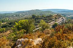 Paysage des Alpilles [Explore] (Chrisar) Tags: nikon nikond7100 angénieux angénieux3570 paysage montagne