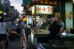 0-DSC06639-1 (songyuepan) Tags: 定焦 50mm a7s 龍潭 桃園 street night people contax carl zeiss f14 carlzeiss 50mmf14 streetphotography sonya7s taiwan 臺灣