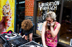 London; August 2017 (Daniel Durrans) Tags: urban record telephone street woman recordplayer streetphotography icecream lady afro dj hair