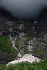Low clouds (DoctorMP) Tags: norwegia norway norge moreogromsdal góry lato summer mountains romsdal trollryggen