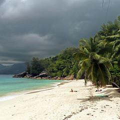 Seychelles (pom.angers) Tags: panasonicdmctz3 400 500 600 700 february 2008 seychelles indianocean africa 100 200 300 5000 beach